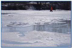 Зимняя рыбалка по последнему льду.