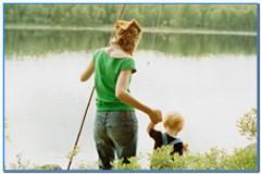 Семейная рыбалка в выходные.